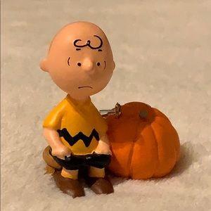 Charlie Brown w  pumpkin 🎃 2008 ornament decor